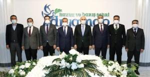 Bakan Karaismailoğlu Başkan Kılınç'ı Ziyaret Etti.