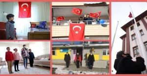 Saat 10'da Tüm Türkiye Bayrak Töreninde Buluştu