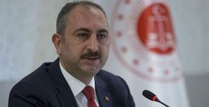 """Bakan Gül """"Türkiye,bir daha darbe utancı yaşamayacaktır"""""""