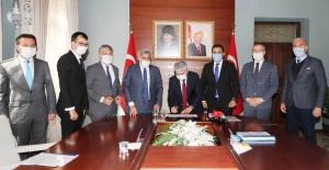 Kırıkhan Gölbaşı Gölü Rehabilitasyon Proje sözleşmesi imzalandı.