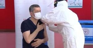 Öğretmenlere Kovid-19 Aşı Uygulaması Başlıyor