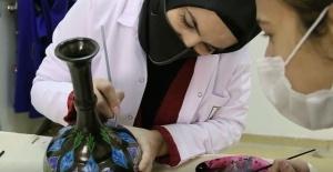 Şanlıurfa Büyükşehir ile kadınlar hayata yeniden bağlanıyor.