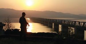 Yunanistan'a geçmeye çalışan 3 şahıs yakalandı