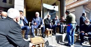 Vali Karaloğlu,Yeni Kontollü Normalleşmesürecinin ilk gününde esnafın yanındaydı.