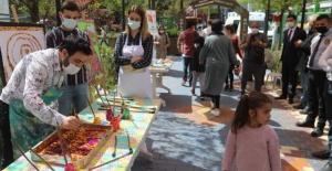 'Rehberlik Sokağında' çeşitli aktiviteler düzenleniyor.