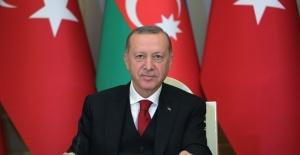 """Cumhurbaşkanı Erdoğan """"bin aydan daha hayırlı Kadir Gecemizi tebrik ediyorum"""""""