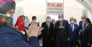 Cumhurbaşkanı Erdogan,evlat nöbeti tutan Diyarbakır annelerini ziyaret etti.