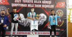 Viranşehirli Gençlerden Türkiye Derecesi