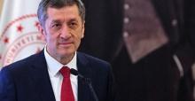 """Bakan Selçuk """"eğitimde görev alan herkes Türkçeyi güzel kullanmalı"""""""