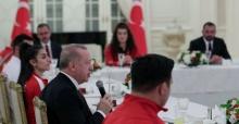 Cumhurbaşkanı Erdoğan,millî sporcular ile iftar yemeğinde bir araya geldi.