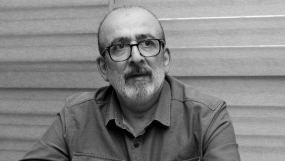 Gazeteci Ahmet Kekeç, tedavi gördüğü hastanede hayatını kaybetti.